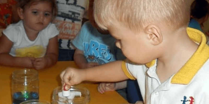 the-benefits-of-science-activities-at-nursery-sbs
